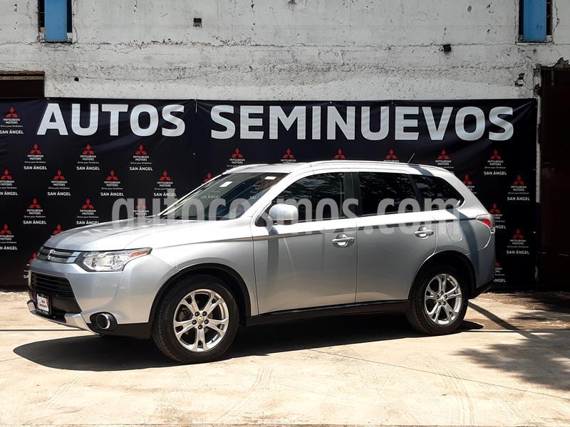 Mitsubishi Outlander SE usado (2015) color Plata precio $195,000