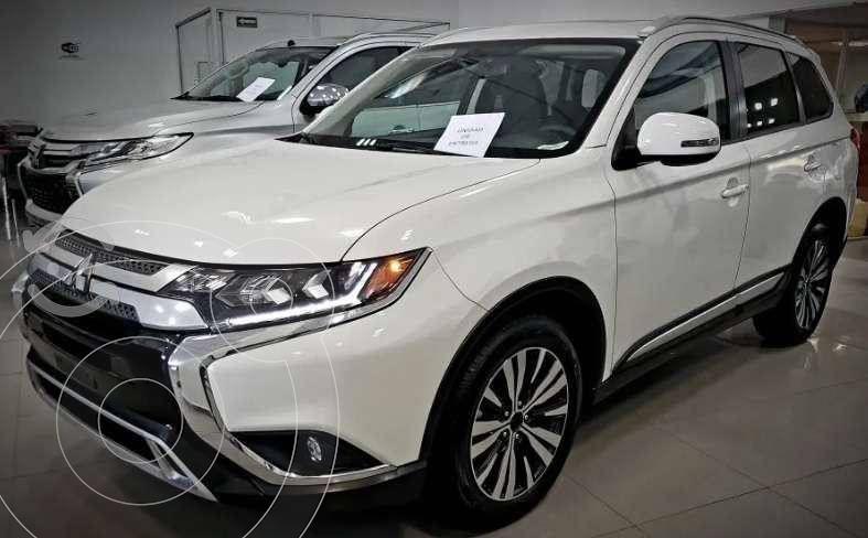 Mitsubishi Outlander 2.4L SE Plus usado (2019) color Blanco precio $398,370