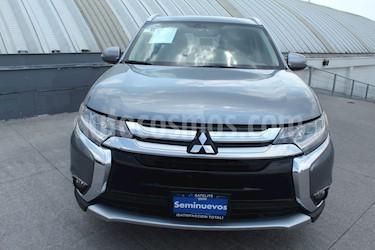 foto Mitsubishi Outlander 3.0L Limited usado (2016) color Grafito precio $244,000