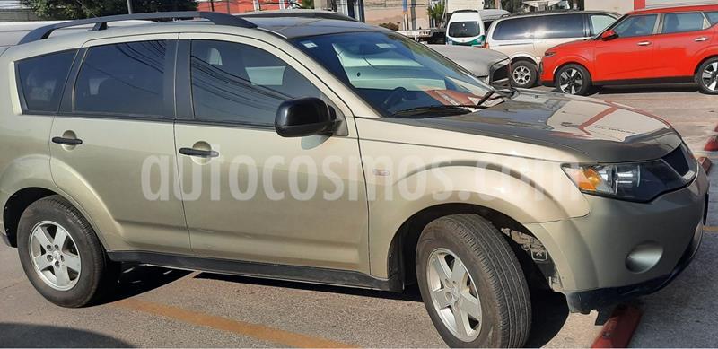 Mitsubishi Outlander 2.4L ES usado (2008) color Beige precio $130,000