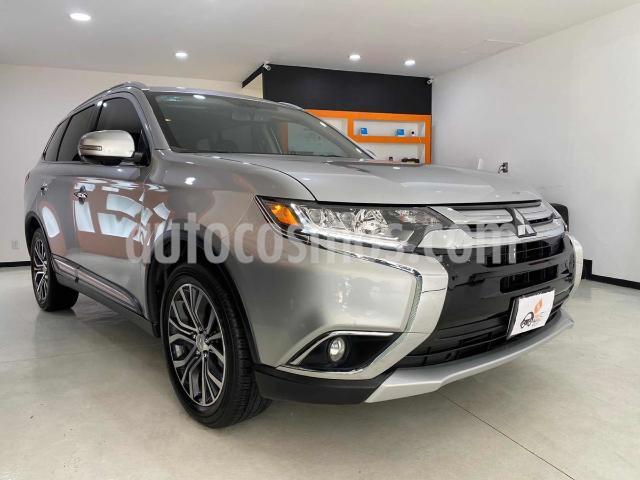 Mitsubishi Outlander 2.4L Limited usado (2018) color Plata precio $359,000
