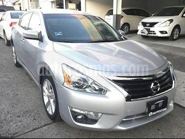 Foto venta Auto Seminuevo Nissan Altima 2.5 ADVANCE AUTO 4P (2014) color Plata precio $182,000