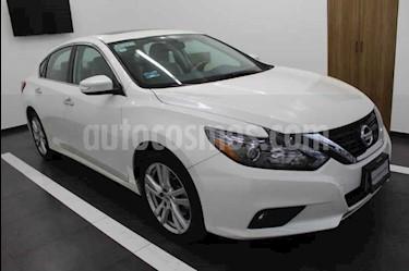 Foto Nissan Altima Advance NAVI usado (2017) color Blanco precio $329,000