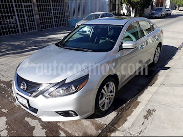 Foto Nissan Altima Advance NAVI usado (2017) color Plata precio $318,000