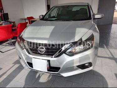 Foto Nissan Altima Advance NAVI usado (2017) color Plata precio $294,900