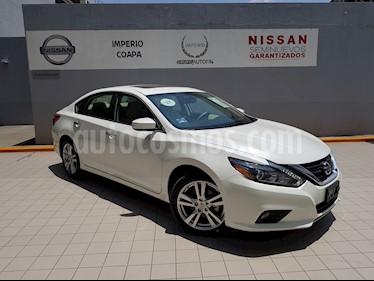 Foto venta Auto Seminuevo Nissan Altima Advance NAVI (2017) color Blanco precio $416,900