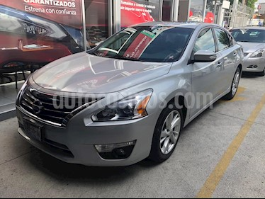 Foto Nissan Altima Advance NAVI usado (2016) color Plata Brillante precio $249,900