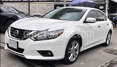 Foto venta Auto usado Nissan Altima Advance NAVI (2017) color Blanco precio $285,900