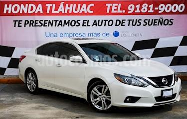 Foto Nissan Altima Advance NAVI usado (2017) color Blanco precio $310,000