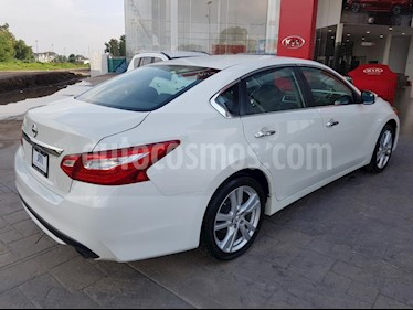 Foto venta Auto usado Nissan Altima Advance NAVI (2017) color Blanco precio $318,000