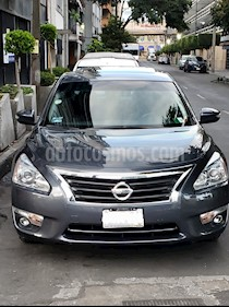 Nissan Altima Advance NAVI usado (2013) color Gris Oxford precio $165,000