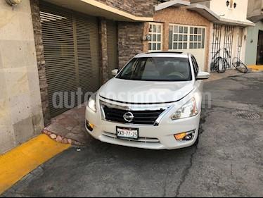 Foto venta Auto Seminuevo Nissan Altima Advance NAVI (2016) color Blanco precio $230,000