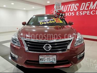 Nissan Altima Advance NAVI usado (2015) color Rojo precio $210,000