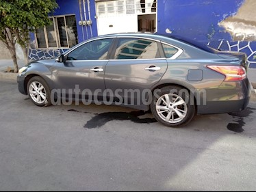 Nissan Altima Advance usado (2013) color Gris Oxford precio $180,000
