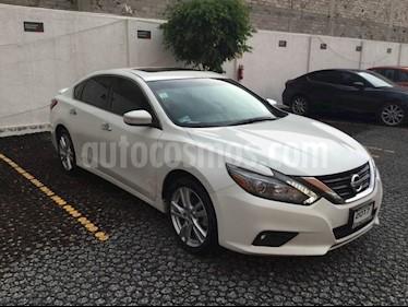 Foto Nissan Altima ALTIMA 3.5 EXCLUSIVE CVT 4P usado (2017) color Blanco precio $330,000