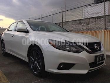 Foto venta Auto Seminuevo Nissan Altima ALTIMA ADVANCE NAVI (2018) color Blanco precio $385,000