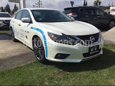 Foto venta Auto Seminuevo Nissan Altima ALTIMA ADVANCE NAVI (2018) color Blanco precio $400,000