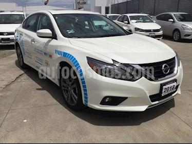Foto venta Auto Seminuevo Nissan Altima ALTIMA ADVANCE NAVI (2018) color Blanco precio $444,100