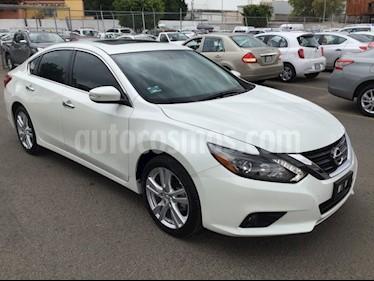 Foto venta Auto Seminuevo Nissan Altima ALTIMA ADVANCE NAVI (2017) color Blanco precio $369,000