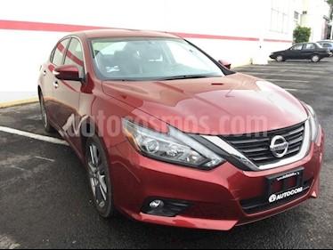 Foto venta Auto Seminuevo Nissan Altima ALTIMA EXCLUSIVE 3.5L 18 (2018) color Rojo precio $408,000