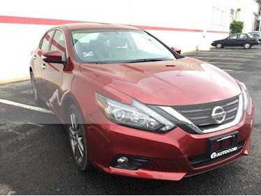 Foto Nissan Altima ALTIMA EXCLUSIVE 3.5L V6 usado (2018) color Rojo precio $395,000