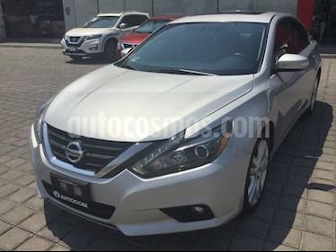 Foto Nissan Altima ALTIMA EXCLUSIVE V6 usado (2017) color Plata precio $350,000