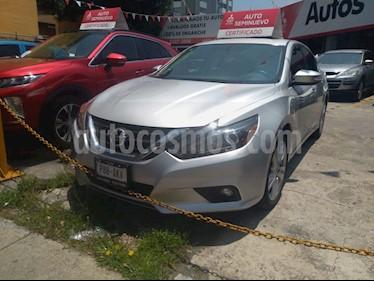 Foto venta Auto usado Nissan Altima Exclusive (2017) color Plata precio $289,000