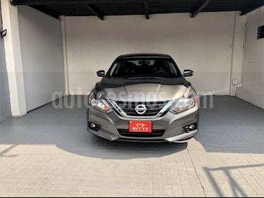 Foto venta Auto usado Nissan Altima Exclusive (2017) color Plata precio $318,000
