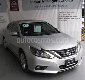 Foto venta Auto usado Nissan Altima Exclusive (2017) color Plata precio $330,000