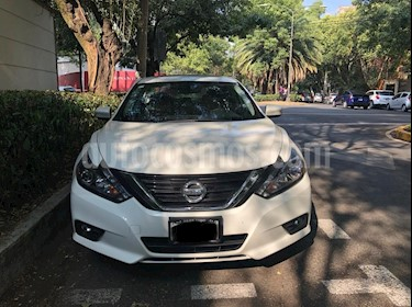 Nissan Altima Exclusive usado (2017) color Blanco precio $340,000
