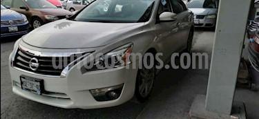 Nissan Altima Exclusive usado (2014) color Blanco precio $177,000