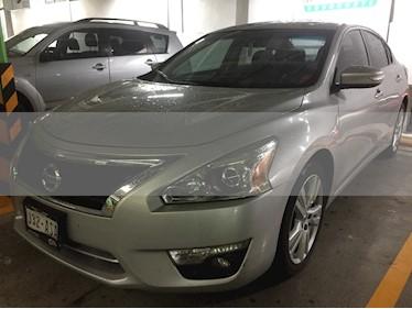 Foto venta Auto usado Nissan Altima Exclusive (2015) color Plata Brillante precio $216,000