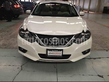 Foto venta Auto usado Nissan Altima Exclusive (2017) color Blanco precio $249,000