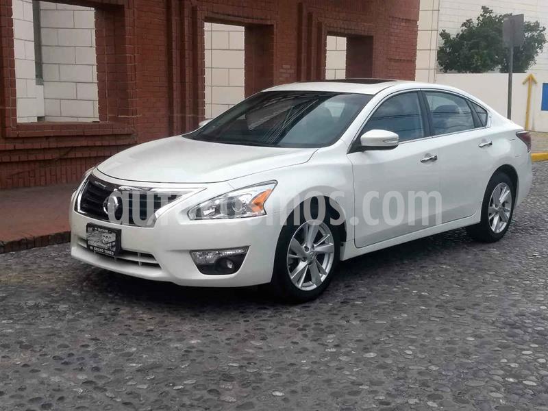 Nissan Altima Exclusive usado (2014) color Blanco precio $185,000
