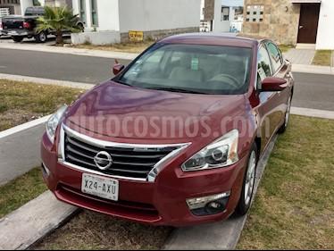 Nissan Altima Advance usado (2013) color Rojo precio $149,000