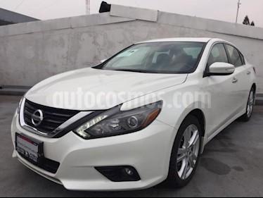 foto Nissan Altima 4P EXCLUSIVE V6/3.5 AUT usado (2017) color Blanco precio $360,000