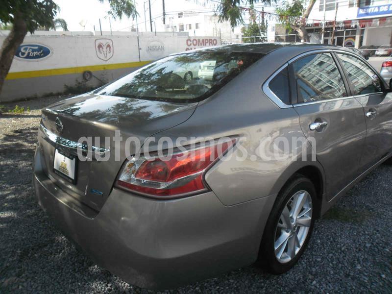Nissan Altima Advance NAVI usado (2014) color Dorado precio $174,000