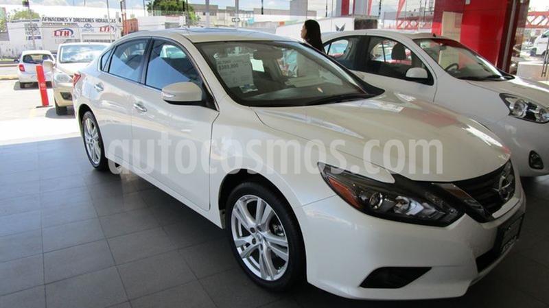 Nissan Altima Advance NAVI usado (2017) color Blanco precio $422,000