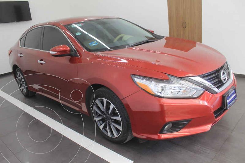Foto Nissan Altima Advance usado (2017) color Rojo precio $269,000