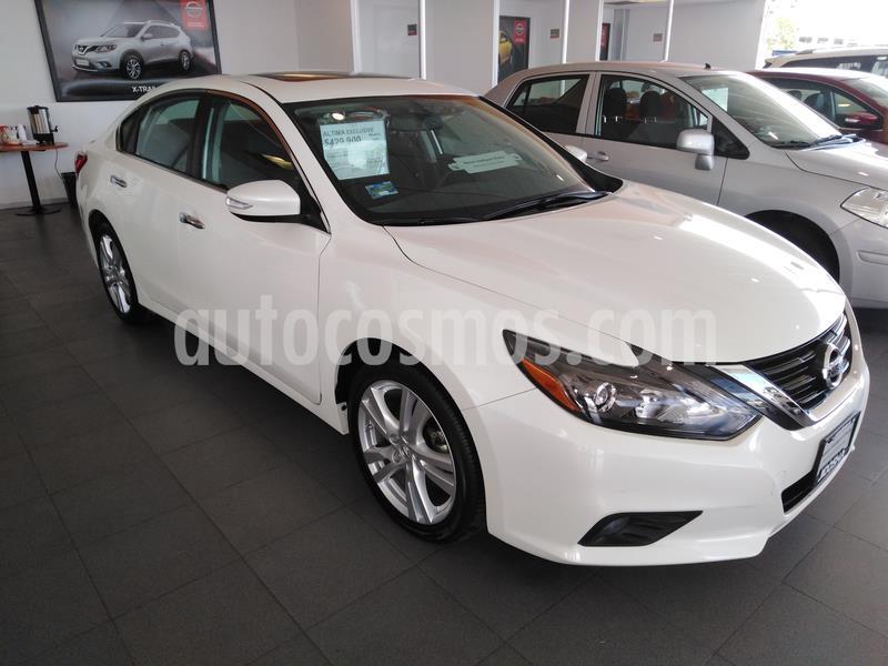 Nissan Altima Exclusive usado (2017) color Blanco precio $330,000