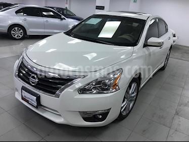 Nissan Altima Exclusive usado (2015) color Blanco precio $215,000