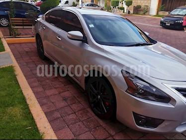 Nissan Altima Exclusive usado (2014) color Plata precio $200,000
