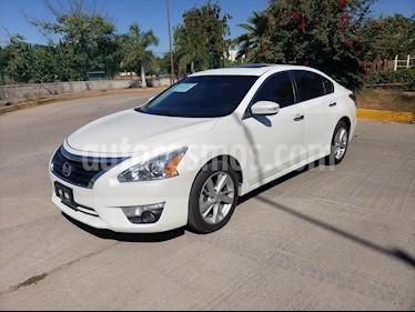 Nissan Altima 4P ADVANCE NAVI. 2.5 AUT usado (2014) color Blanco precio $159,000