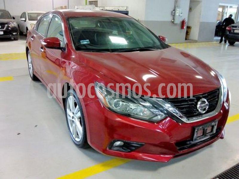 Nissan Altima Exclusive usado (2017) color Rojo precio $315,000