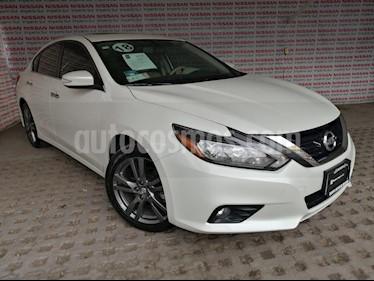 Nissan Altima Advance NAVI usado (2018) color Blanco precio $320,000