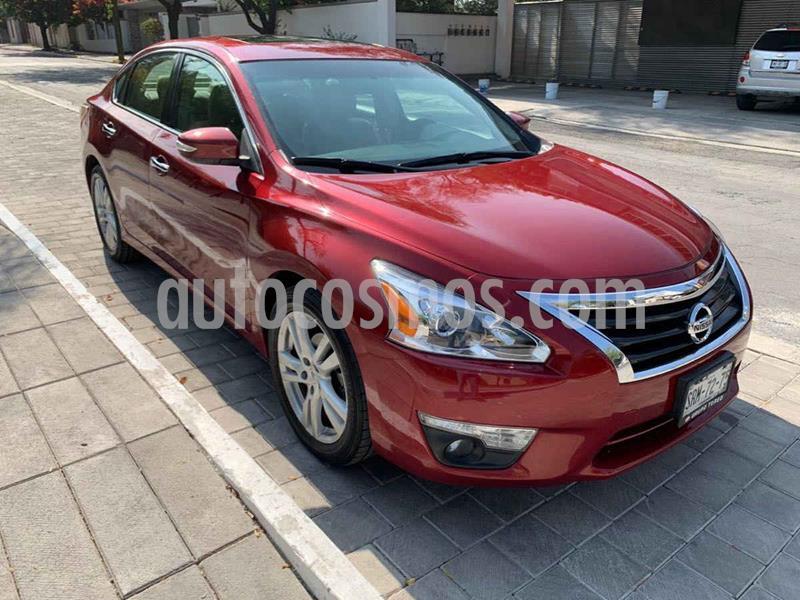 Nissan Altima Exclusive usado (2013) color Rojo precio $199,900