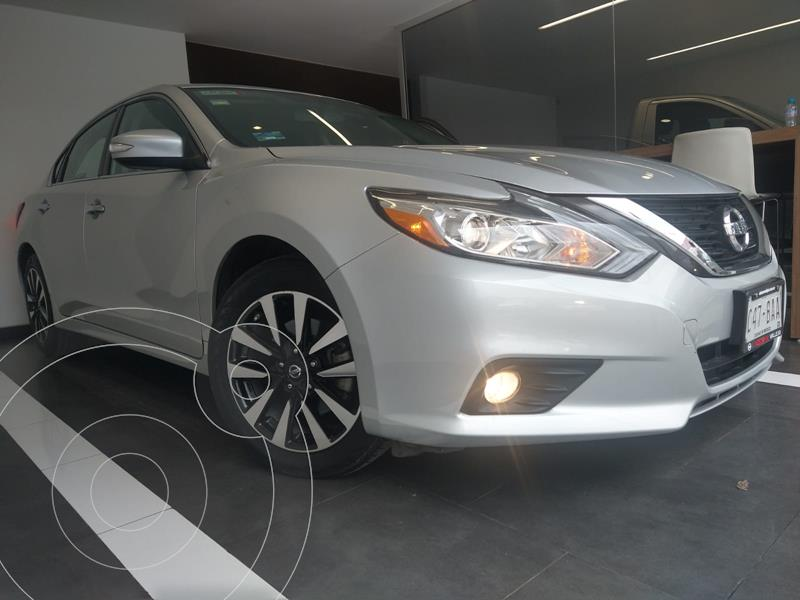 Foto Nissan Altima Advance usado (2018) color Plata precio $299,800