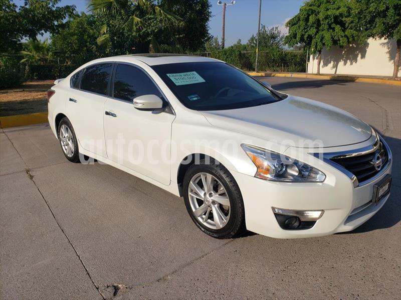Nissan Altima ADVANCE NAVI 2.5L usado (2016) color Blanco precio $195,000
