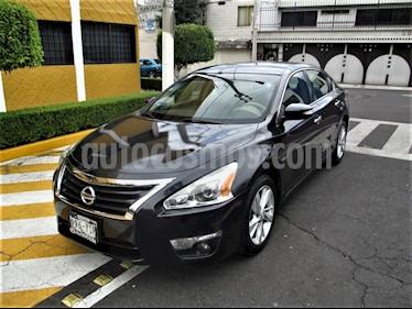 Nissan Altima Sense usado (2013) color Azul Oscuro precio $129,900