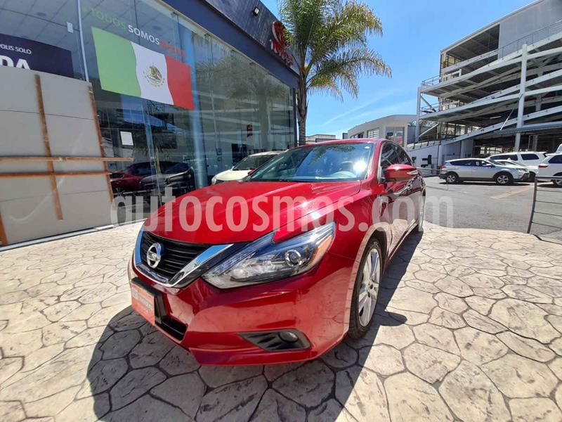 Nissan Altima Exclusive usado (2017) color Rojo precio $275,000